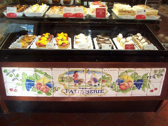 La Madeleine French Bakery & Cafe : The bakery
