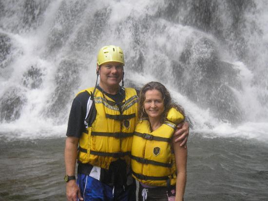 Province of Puntarenas, คอสตาริกา: My wife and I at the waterfall