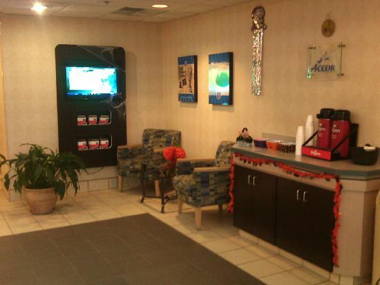 Motel 6 Sandusky-Milan: Lobby