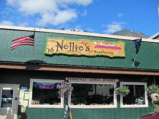 Alaska Nellie's Roadhouse: Exterior view