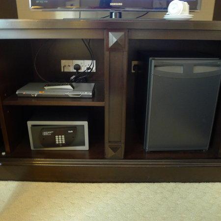 The Ritz-Carlton, Kuala Lumpur: DVD player, safe box, and minibar