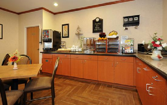 Best Western Inn & Suites Of Merrillville : Breakfast Area