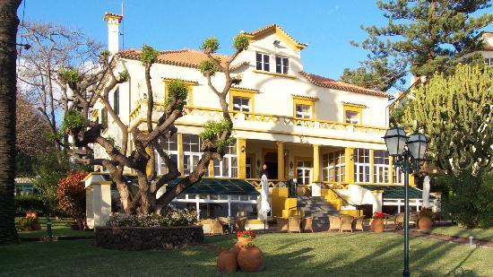 Pestana Palms Ocean Aparthotel: Ресепшн и бар.