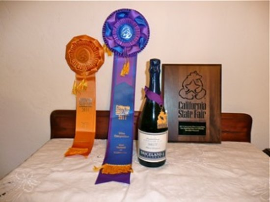Redway, CA: Double Gold, Best in State Brut Sparkling