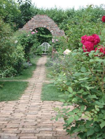 Ueno Farm: バラの時期は見ごたえあります