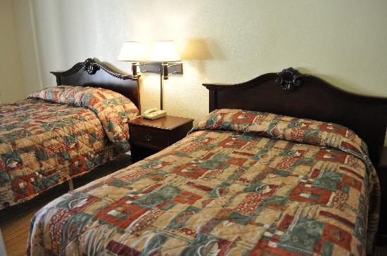 Tamalpais Motel: Double Bed Guestroom