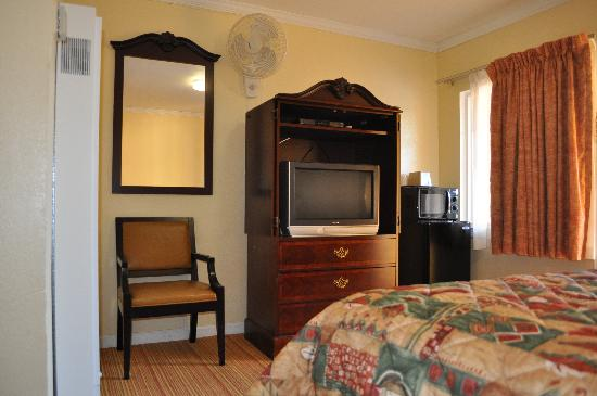 Tamalpais Motel: Guest room with modern amenities