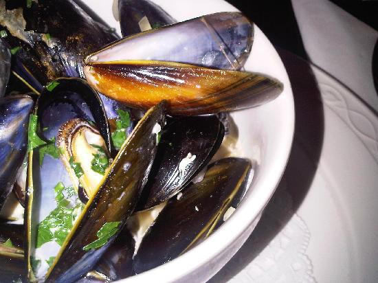 The Ardington Hotel: Mussels in White Wine (£5.95)