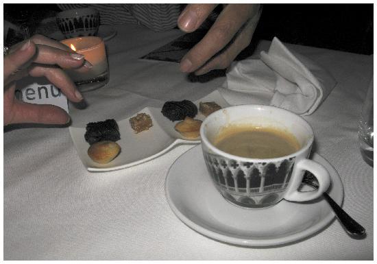 Restaurant Het Heimwee : Koffie met huisgemaakte friandises