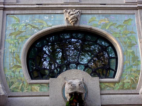 Acquario civico: Particolare della facciata