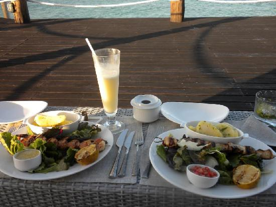 Essque Zalu Zanzibar: Delicious meal of prawns and swordfish at the Jetty!