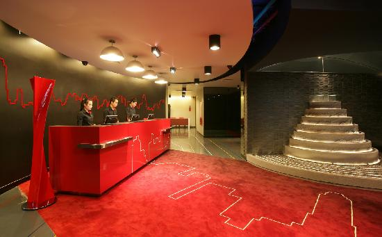Galleria 10 Sukhumvit: Lobby