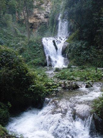 Parco Villa Gregoriana: cascate di villa Gregoriana