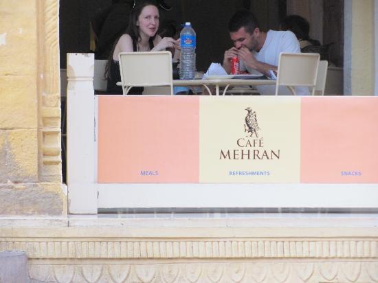 Mehran Terrace: cafe