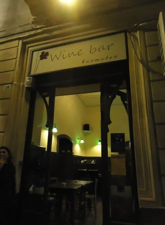 Razmataz Wine Bar