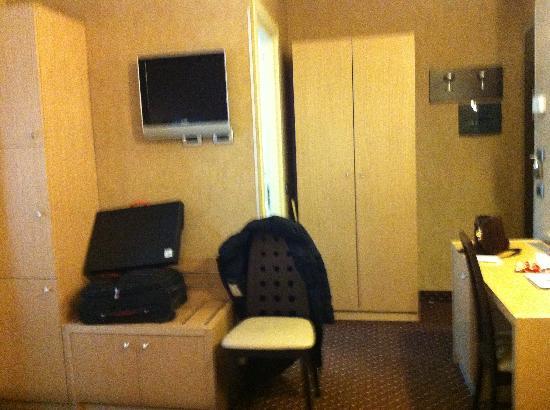 Hotel Susa: camera letto 3