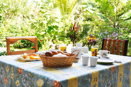Buisson Guesthouse La Digue: Breakfast