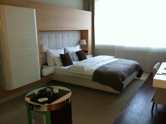 SIDE Design Hotel Hamburg: Standard room type