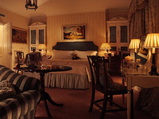 Draycott Hotel: Deluxe Room after Turn Down