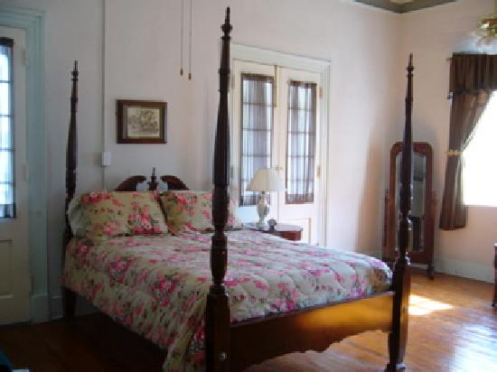 Old Castillo Bed & Breakfast: Old Castillo Bed and Breakfast bedroom