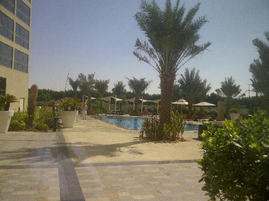 Centro Sharjah: Pool side