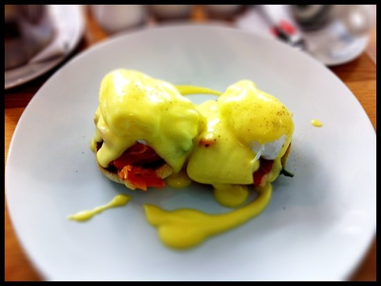 The Easy Fish Co: smoked salmon eggs benedict. yum.