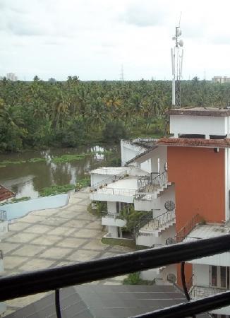 Mermaid Hotel : the swiming pool area view
