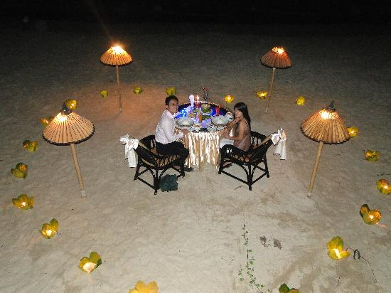 Amazing Ngapali Resort: Honeymoon Dinner