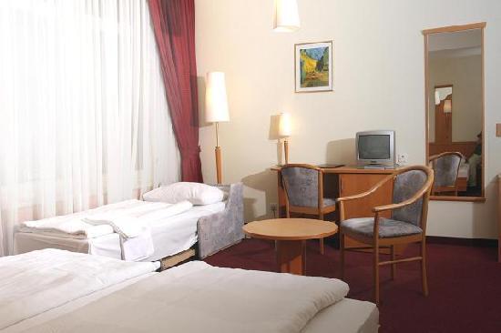 Haydn Hotel Vienna: Dreibettzimmer