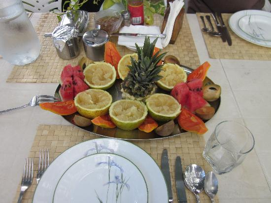 The Resort at Wilks Bay: Tropical fruits at breakfast