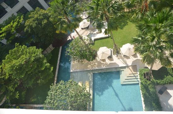 Siam Kempinski Hotel Bangkok : vue piscine