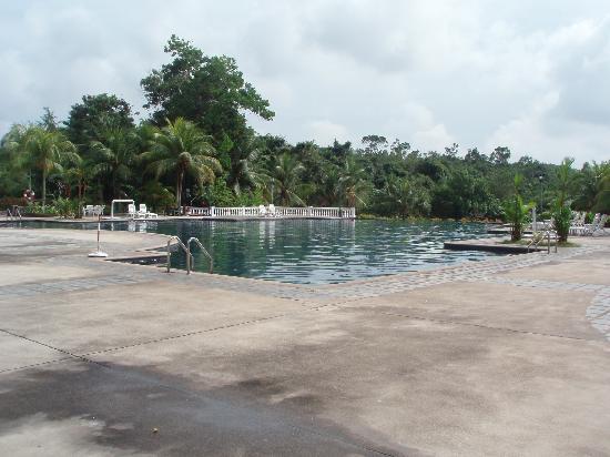 Puteri Resort Ayer Keroh: Adult swimming pool