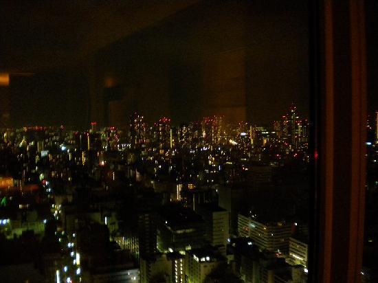 Shangri-La Hotel, Tokyo: 部屋から眺める夜景