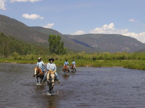Antonito, CO: Riding the River!