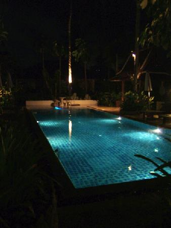 Cocoville phuket for Late night swimming pools london