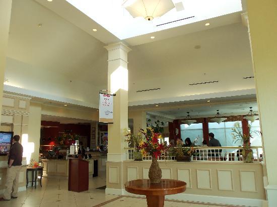 Hilton Garden Inn Riverhead: Hotel Lobby