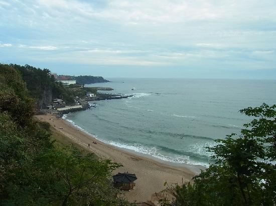 Lotte Hotel Jeju: プライベートビーチ