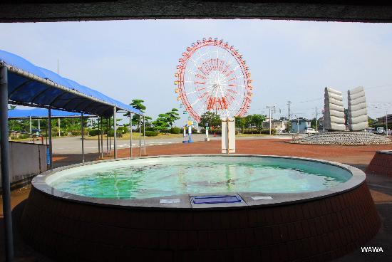 魚津水族館前にある遊園地