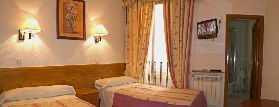 Hostal Aliste : Habitación doble 2 camas