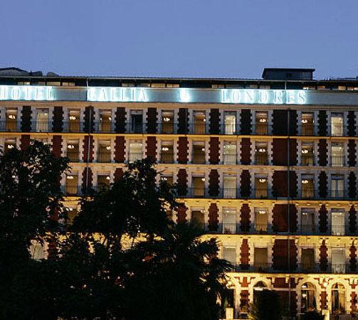 Grand Hotel Gallia Londres : Facade de l'hôtel