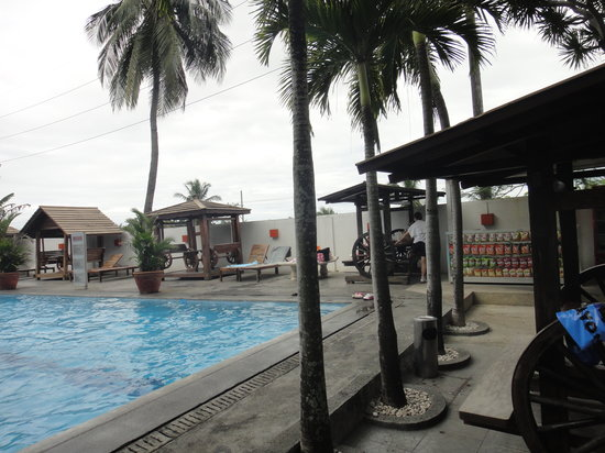 Pagsanjan, Filipinas: normal pool temp, not that hot