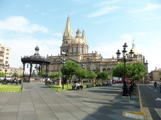 El Aposento Hotel: Kathedrale, 5 Fussminuten