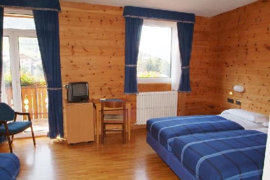 Camera da letto foto di meuble garni della contea for Hotel meuble della contea bormio