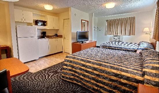 Suburban Extended Stay Hotel of Biloxi - D'Iberville: 2 Queen Beds