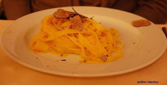Tartufi Che Passione : tagliolini olio extravergine e tartufo