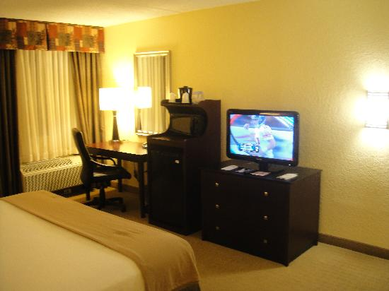 Holiday Inn Express and Suites Fort Lauderdale Executive Airport: Nice Ammenities