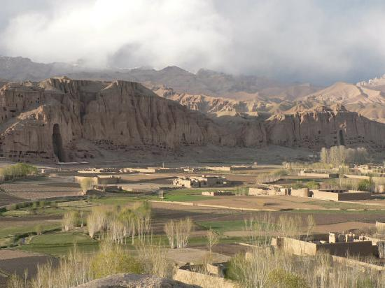 Cultural Landscape and Archaeological Remains of the Bamiyan Valley : Bamyan valley