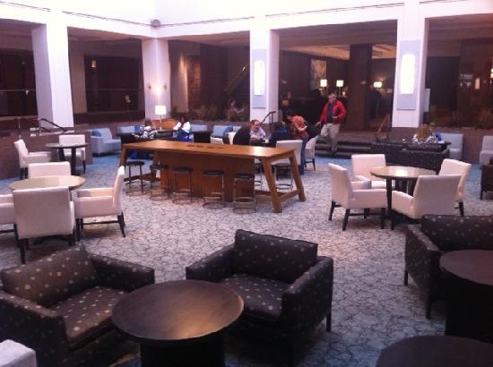 Hyatt Regency Albuquerque: Community seating
