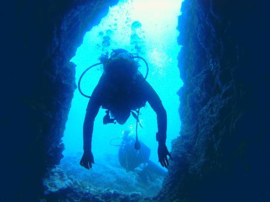 Itakadiving dive resort PADI : Buceando