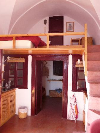 House Nicoletta: Apt interior from the mezzanine floor